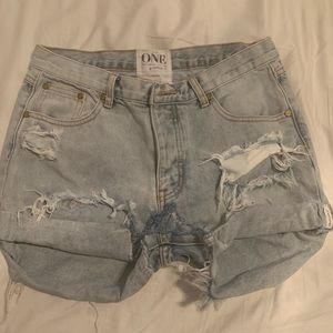 One Teaspoon cut off denim shorts - Size 27